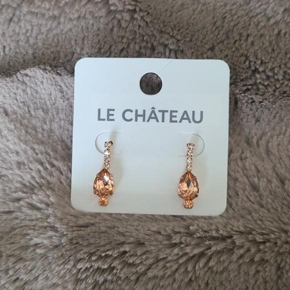 3/$15 NWOT Le Chateau Rose Gold Tear Drop Earrings